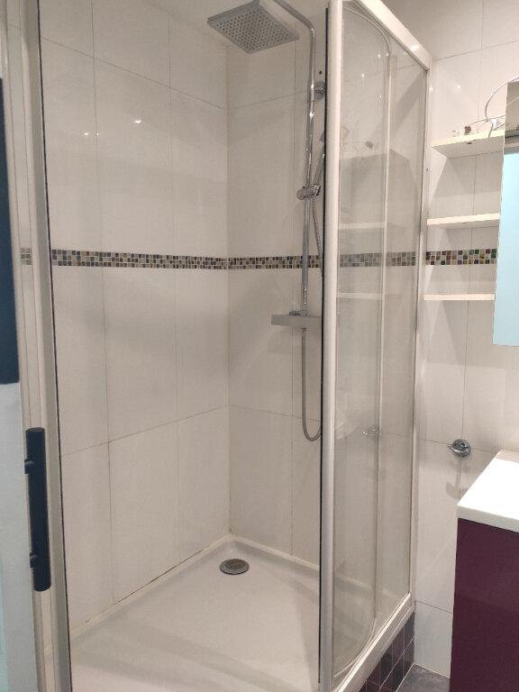 Appartement à louer 3 70.09m2 à Neuilly-sur-Marne vignette-2
