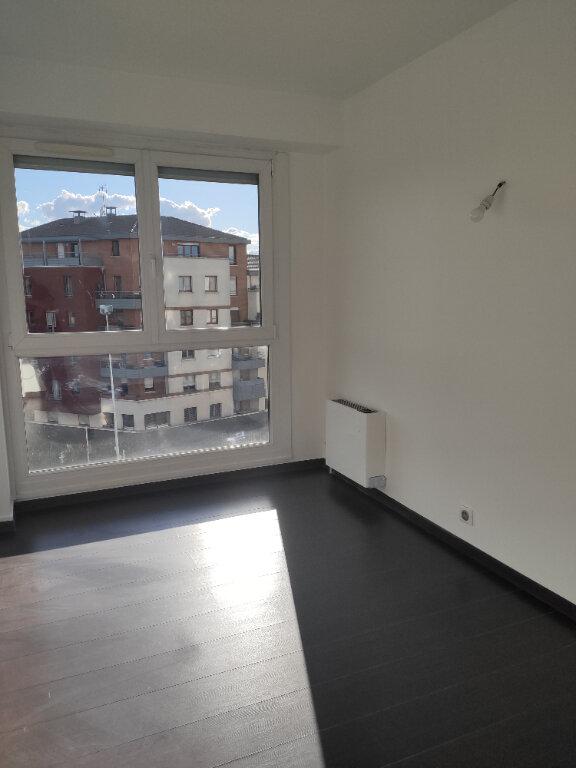Appartement à louer 3 70.09m2 à Neuilly-sur-Marne vignette-4