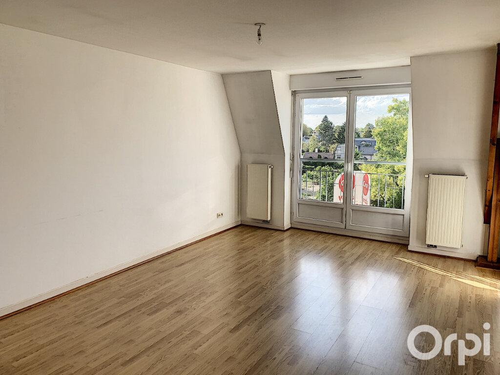 Appartement à vendre 3 75m2 à Villers-Cotterêts vignette-1