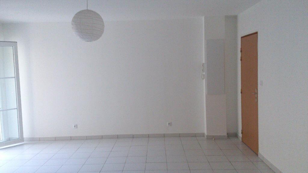 Appartement à louer 1 41m2 à Béthisy-Saint-Pierre vignette-2