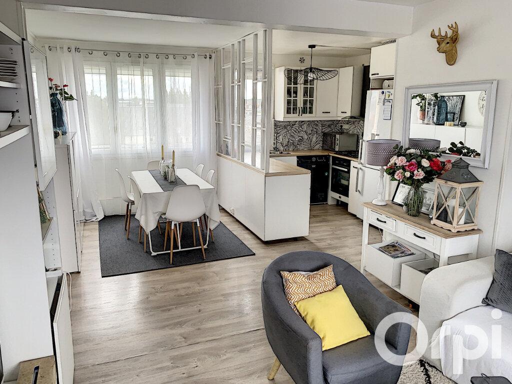 Appartement à vendre 4 65m2 à Villers-Cotterêts vignette-1