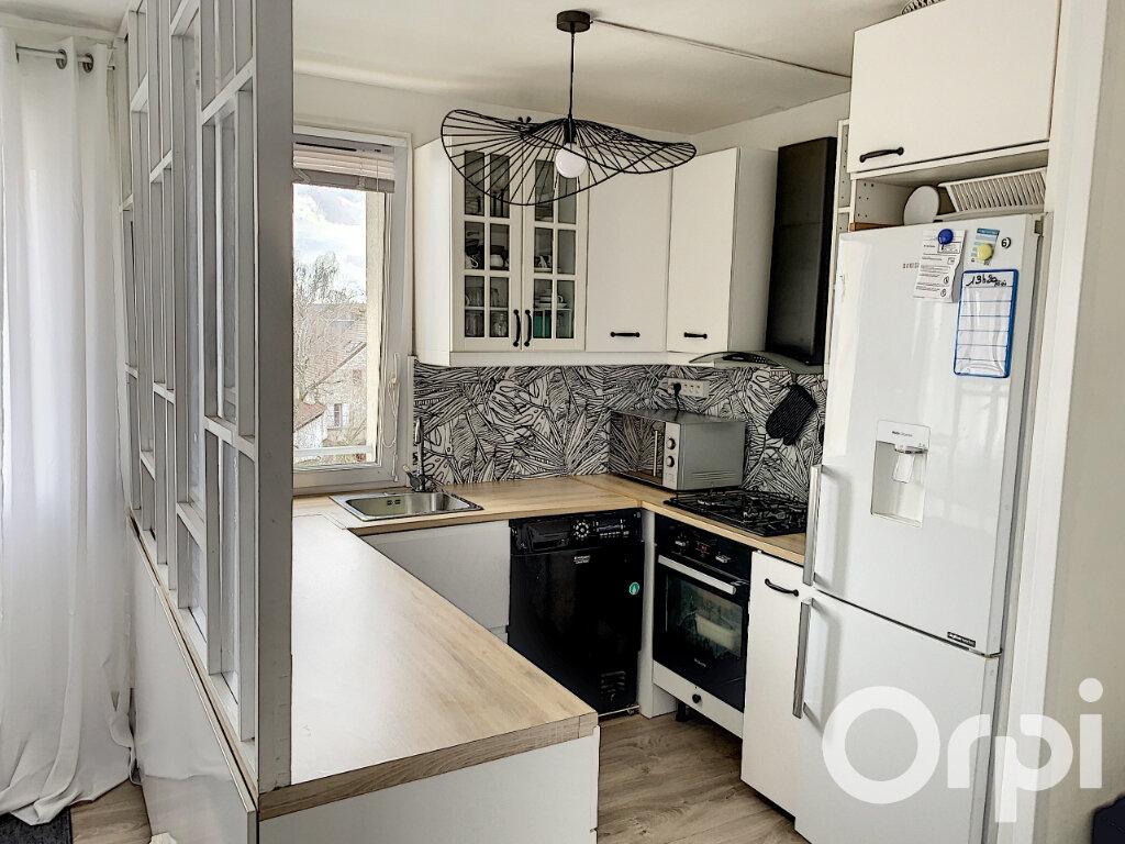 Appartement à vendre 4 65m2 à Villers-Cotterêts vignette-2