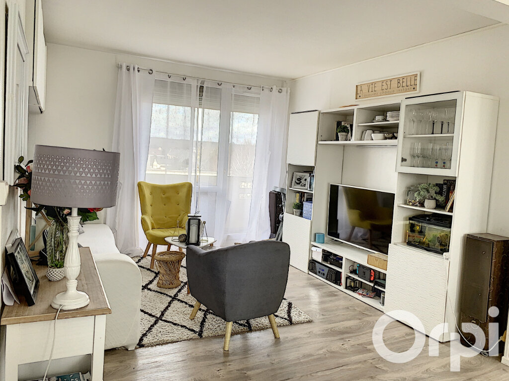 Appartement à vendre 4 65m2 à Villers-Cotterêts vignette-3