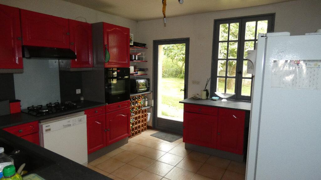 Maison à vendre 7 170m2 à Bonneuil-en-Valois vignette-4