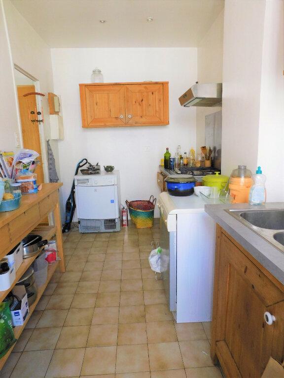 Appartement à vendre 3 67m2 à Marseille 6 vignette-3