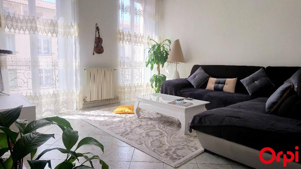 Appartement à vendre 4 78.77m2 à Marseille 8 vignette-1