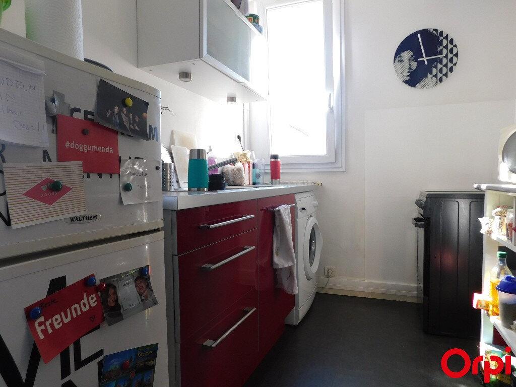 Appartement à vendre 3 48m2 à Marseille 8 vignette-3