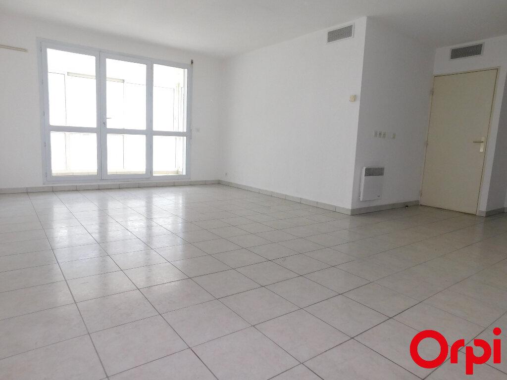 Appartement à vendre 3 60m2 à Marseille 8 vignette-2
