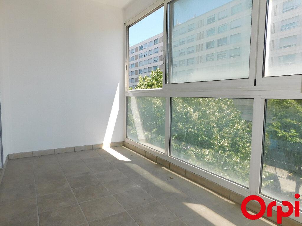 Appartement à vendre 3 60m2 à Marseille 8 vignette-3