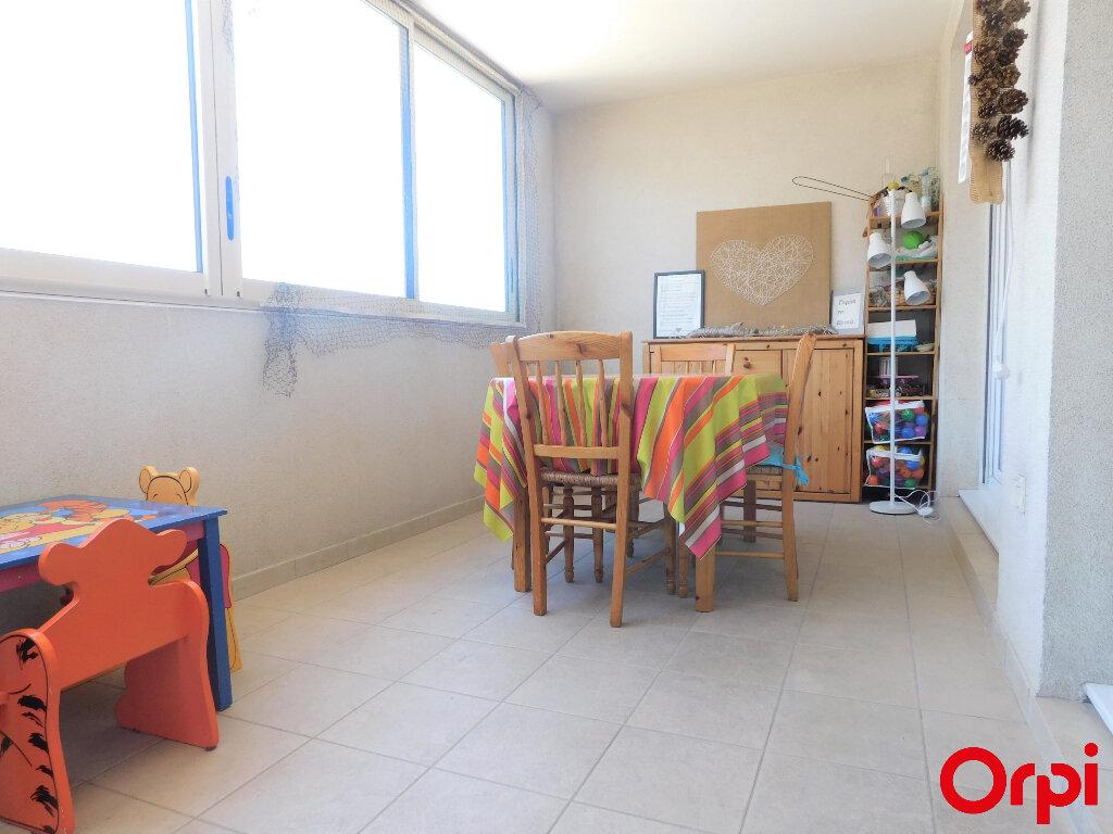 Appartement à vendre 3 71m2 à Marseille 8 vignette-2