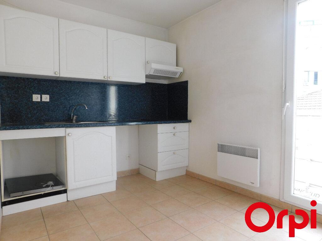 Appartement à vendre 3 63m2 à Marseille 8 vignette-3