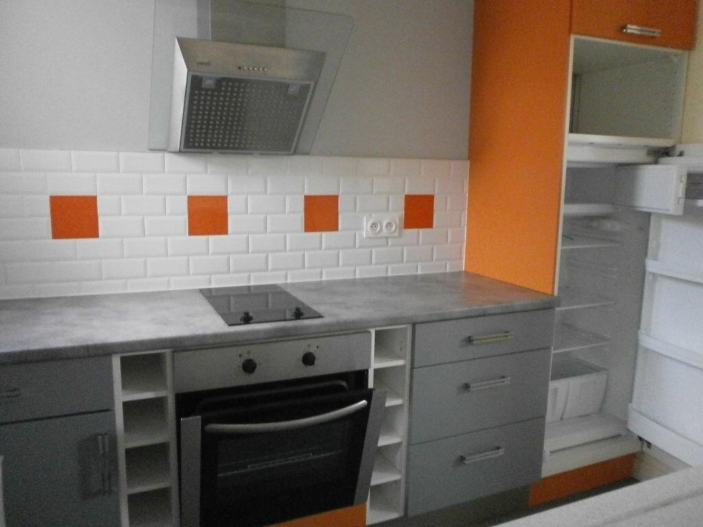 Appartement à louer 2 45m2 à Argentan vignette-2
