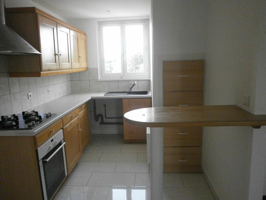 Appartement à louer 2 44m2 à Argentan vignette-1