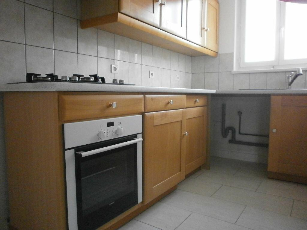 Appartement à louer 2 44m2 à Argentan vignette-2