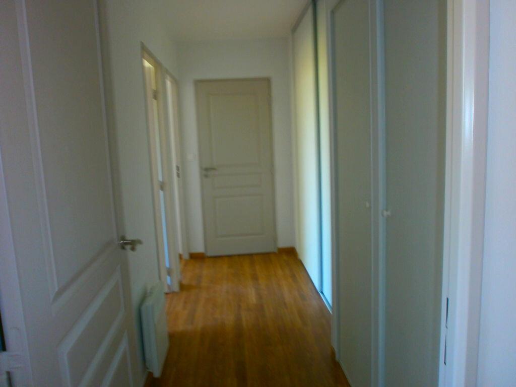 Appartement à louer 3 70m2 à Argentan vignette-5