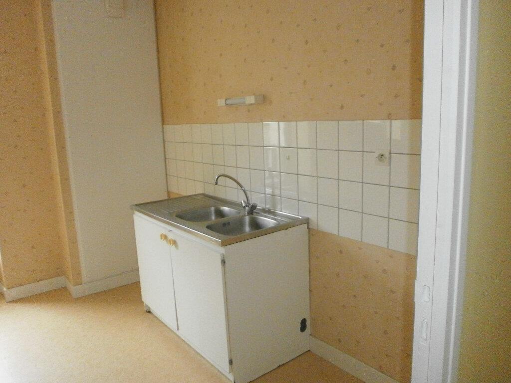 Appartement à louer 4 70m2 à Boucé vignette-5