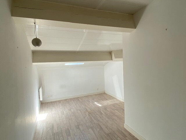 Maison à louer 3 55m2 à Grun-Bordas vignette-4