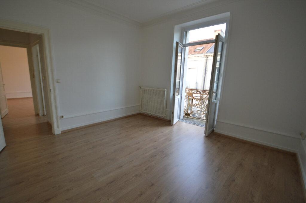 Appartement à louer 2 40m2 à Périgueux vignette-3