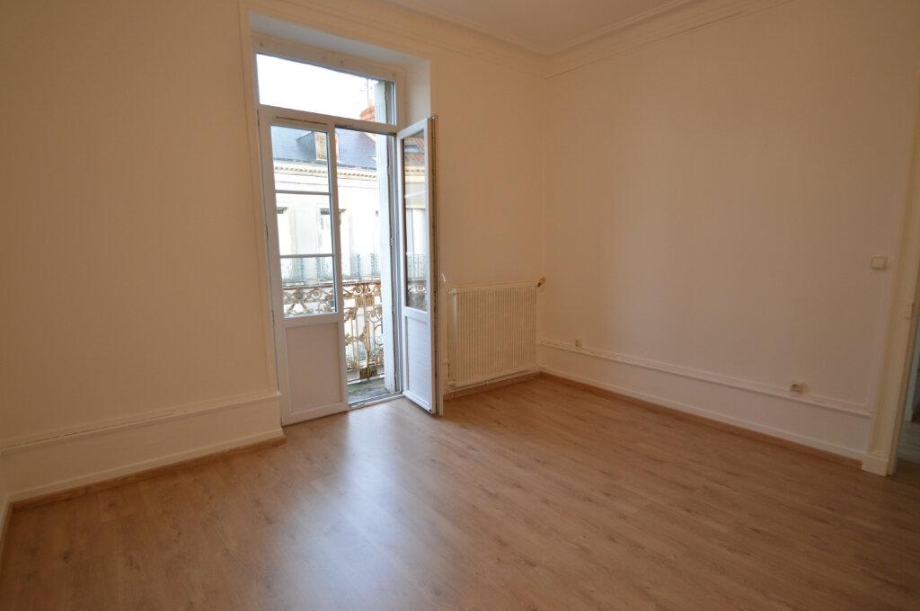 Appartement à louer 2 40m2 à Périgueux vignette-4