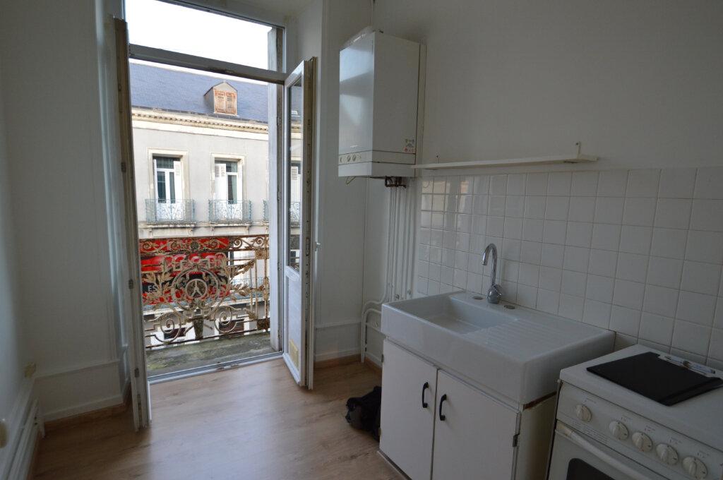 Appartement à louer 2 40m2 à Périgueux vignette-5