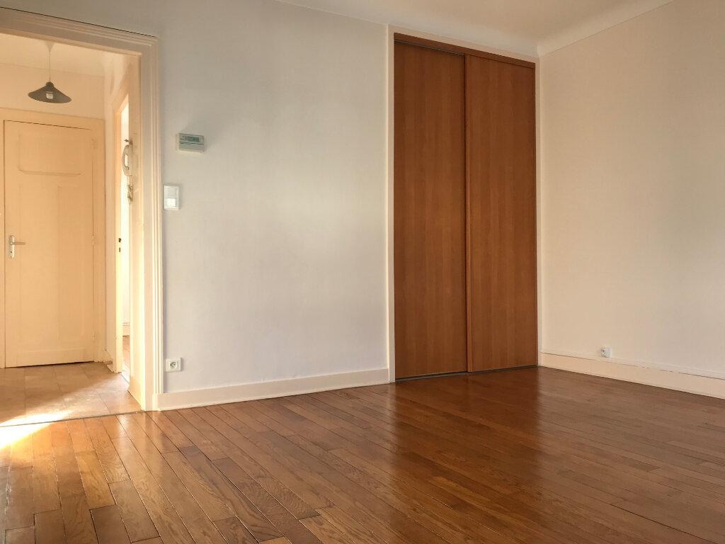 Appartement à louer 3 52m2 à Périgueux vignette-2