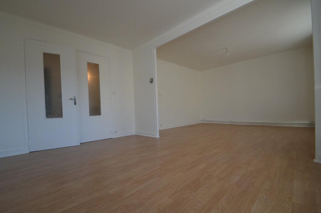 Appartement à louer 3 89.73m2 à Périgueux vignette-1