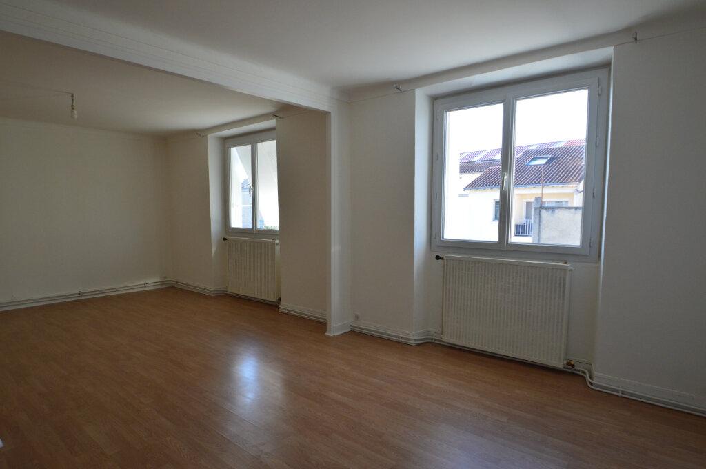 Appartement à louer 3 89.73m2 à Périgueux vignette-2
