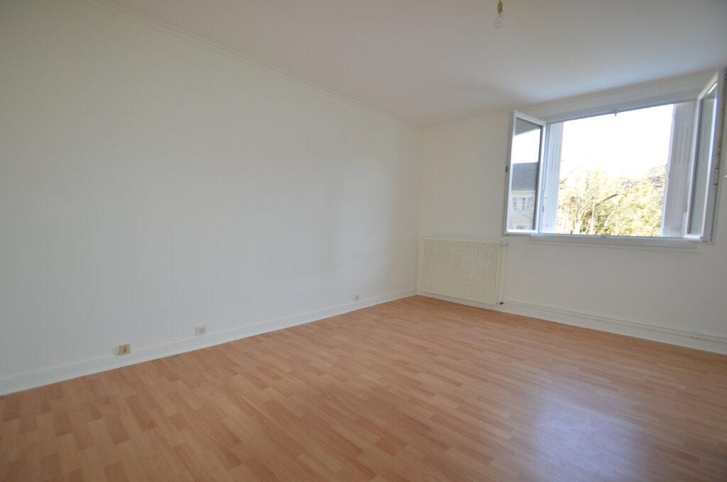 Appartement à louer 3 89.73m2 à Périgueux vignette-3