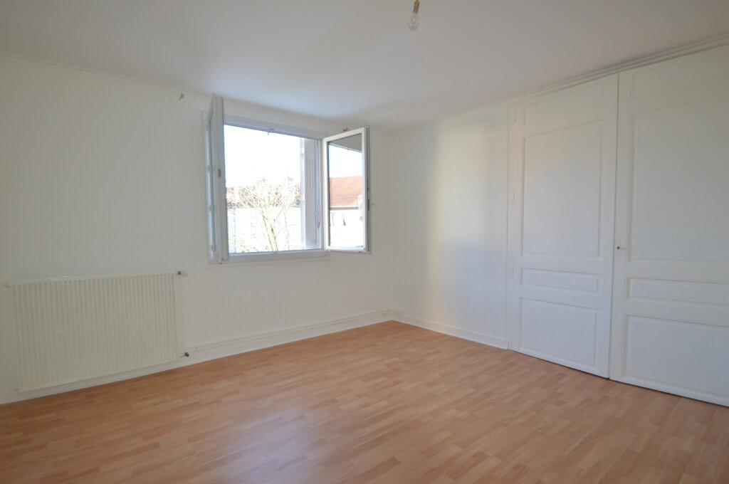 Appartement à louer 3 89.73m2 à Périgueux vignette-4