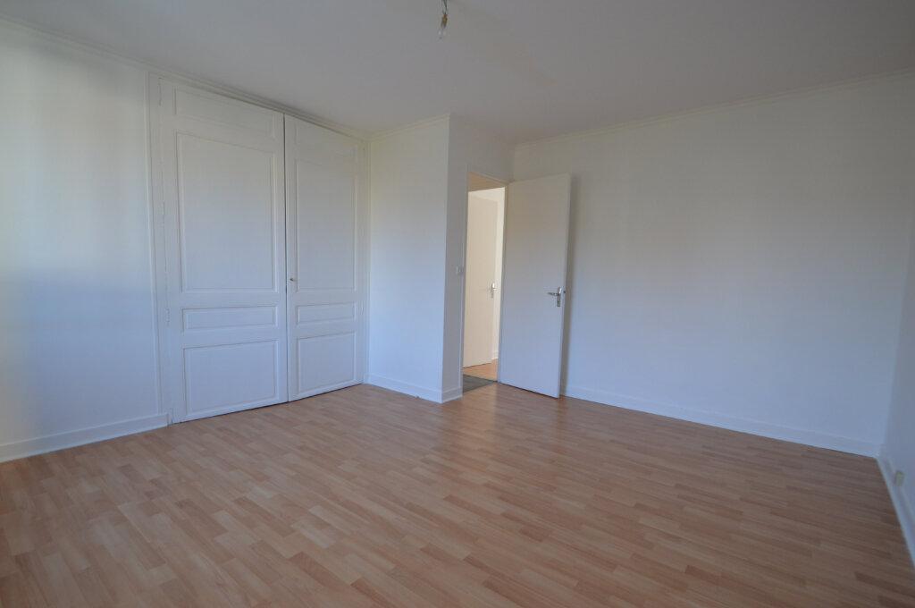 Appartement à louer 3 89.73m2 à Périgueux vignette-5