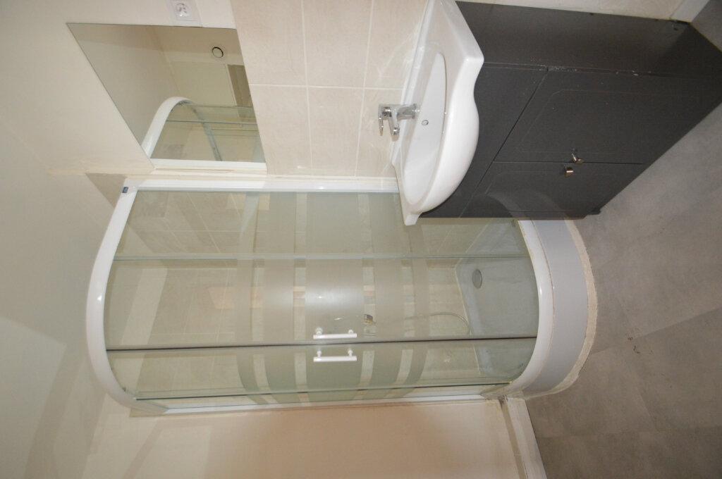 Appartement à vendre 4 70m2 à Périgueux vignette-3