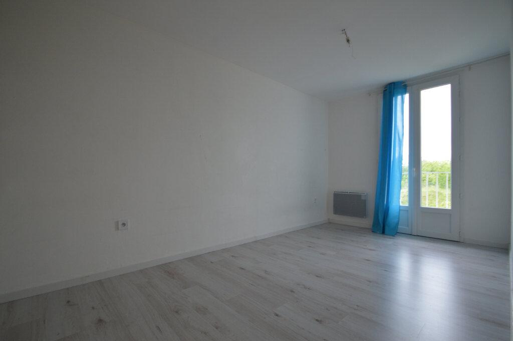 Appartement à vendre 4 70m2 à Périgueux vignette-4