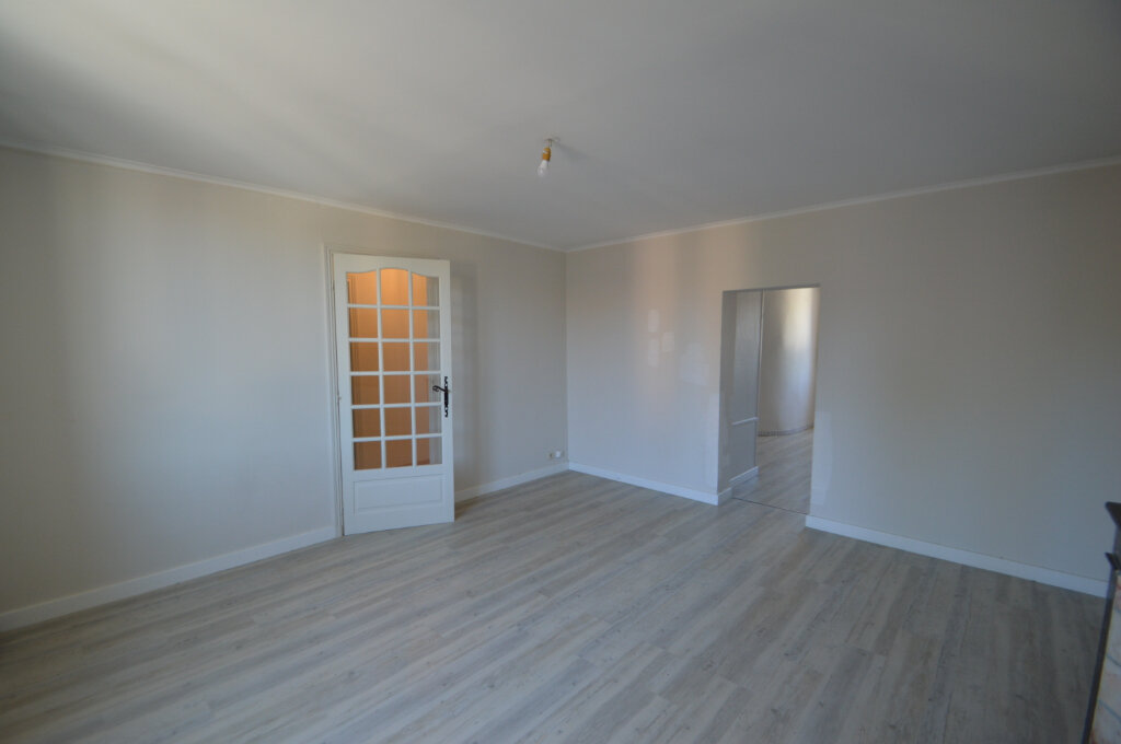 Appartement à louer 4 87m2 à Périgueux vignette-1
