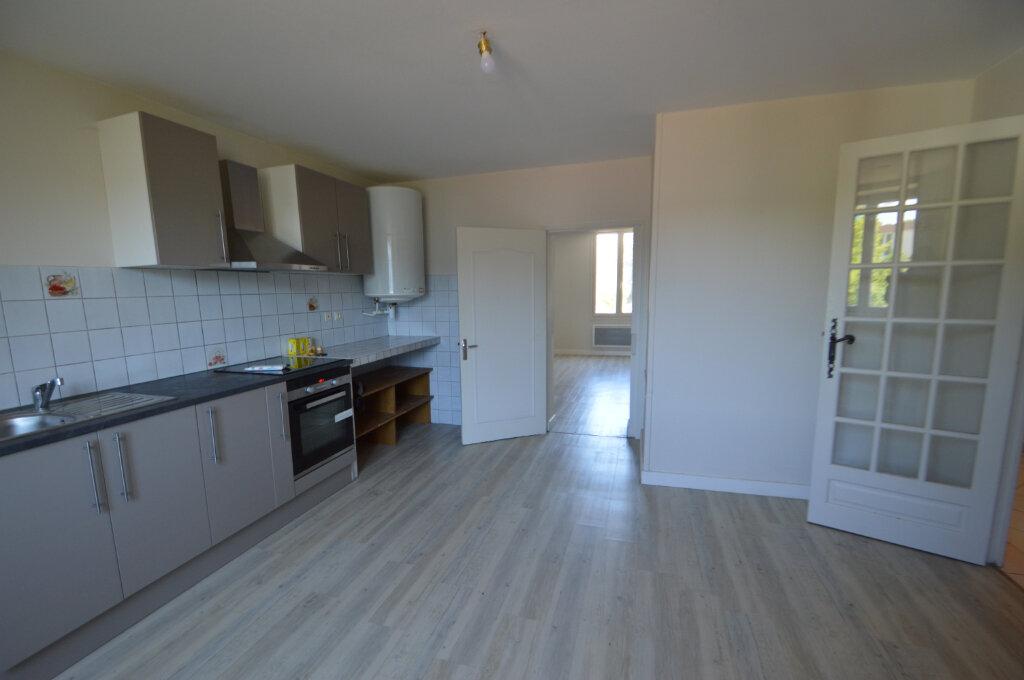 Appartement à louer 4 87m2 à Périgueux vignette-3