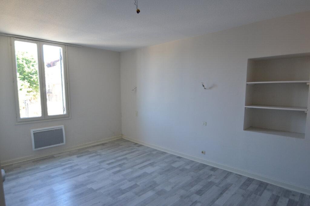 Appartement à louer 4 87m2 à Périgueux vignette-7