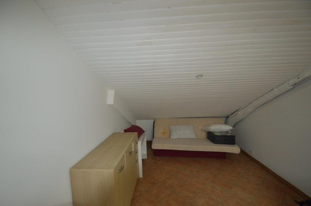 Appartement à louer 1 17m2 à Périgueux vignette-3