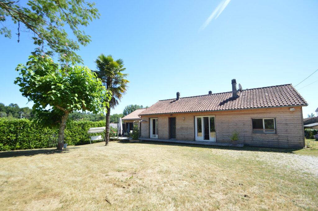 Maison à vendre 7 130m2 à Neuvic vignette-1