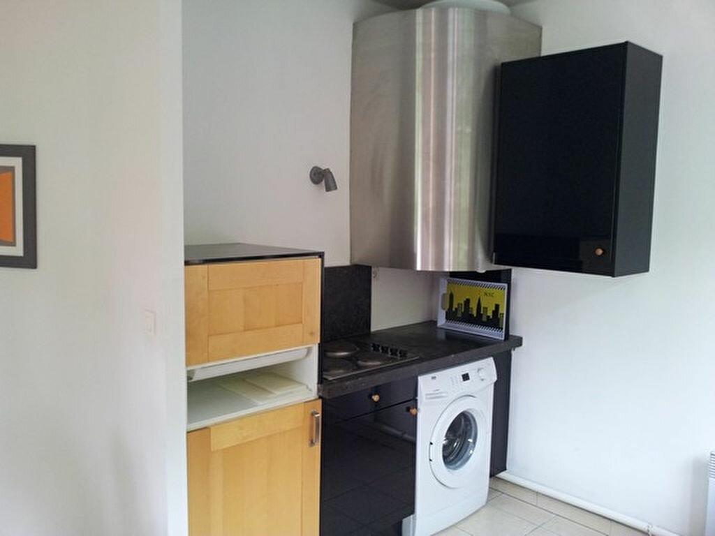 Appartement à louer 2 45.4m2 à Valenciennes vignette-5