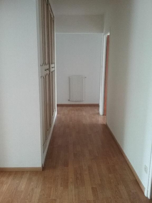 Appartement à louer 3 77.75m2 à Valenciennes vignette-3