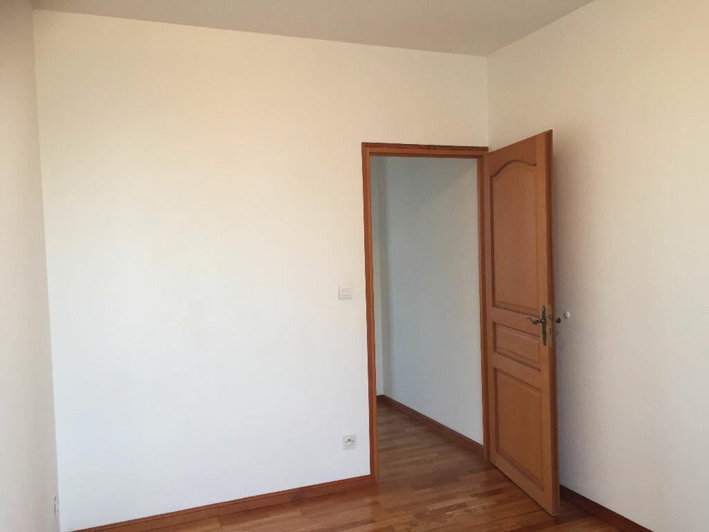Appartement à louer 5 80m2 à Maubeuge vignette-5