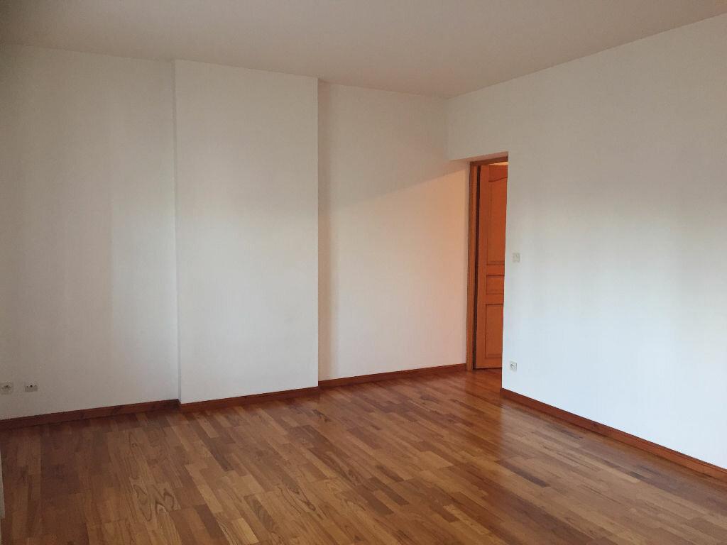 Appartement à louer 5 80m2 à Maubeuge vignette-6