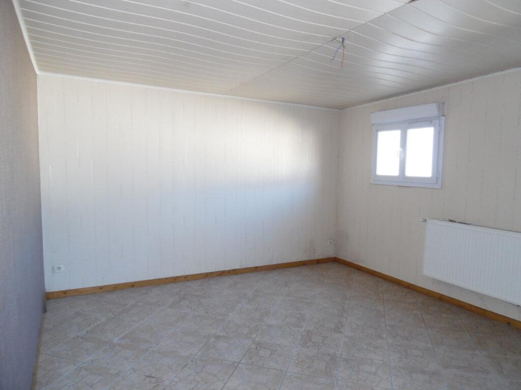 Maison à vendre 5 112.84m2 à Beuvrages vignette-11