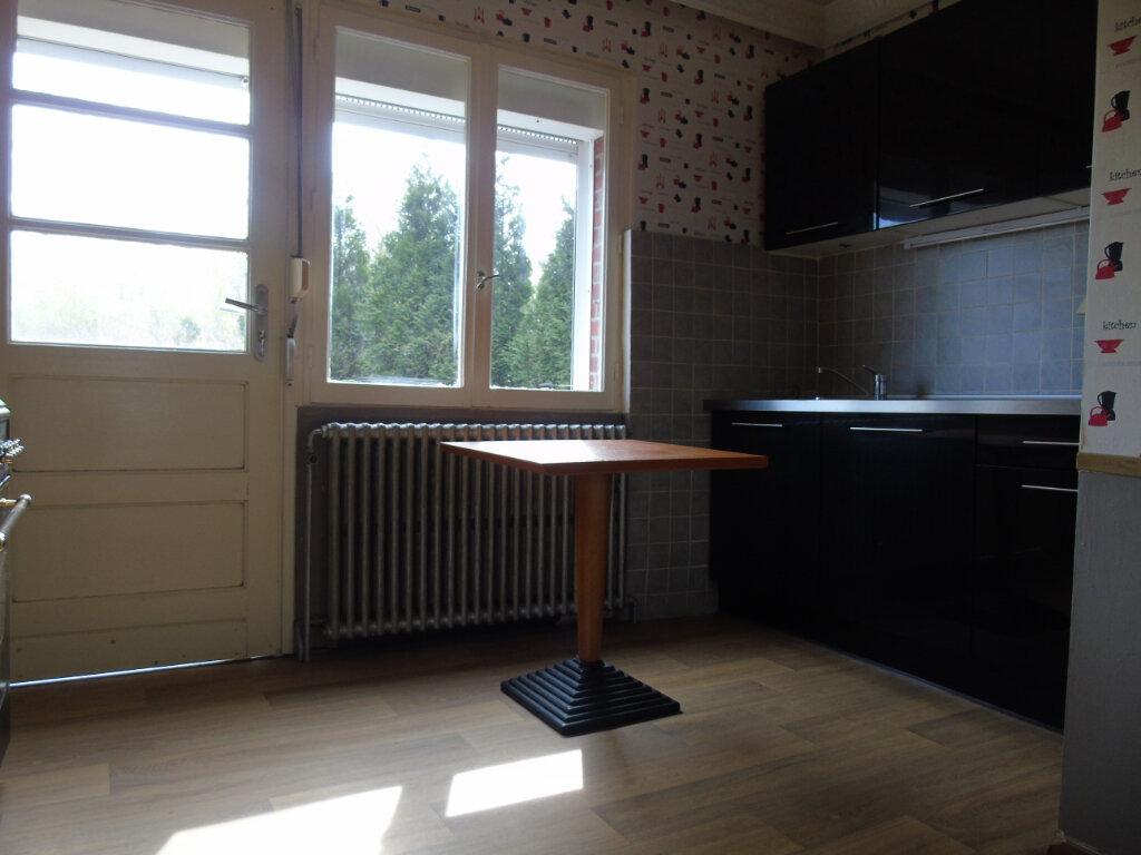 Maison à louer 6 119m2 à Maubeuge vignette-2