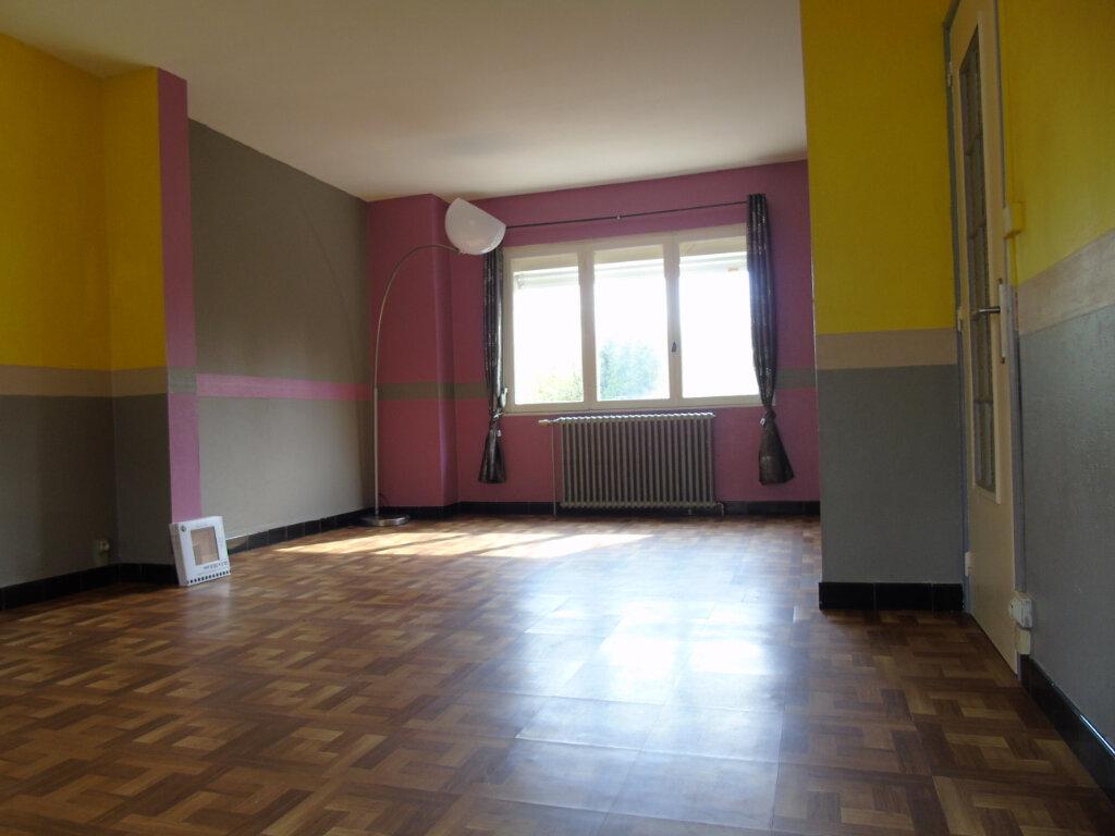 Maison à louer 6 119m2 à Maubeuge vignette-3