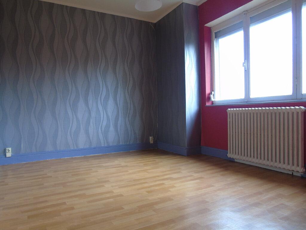 Maison à louer 6 119m2 à Maubeuge vignette-6