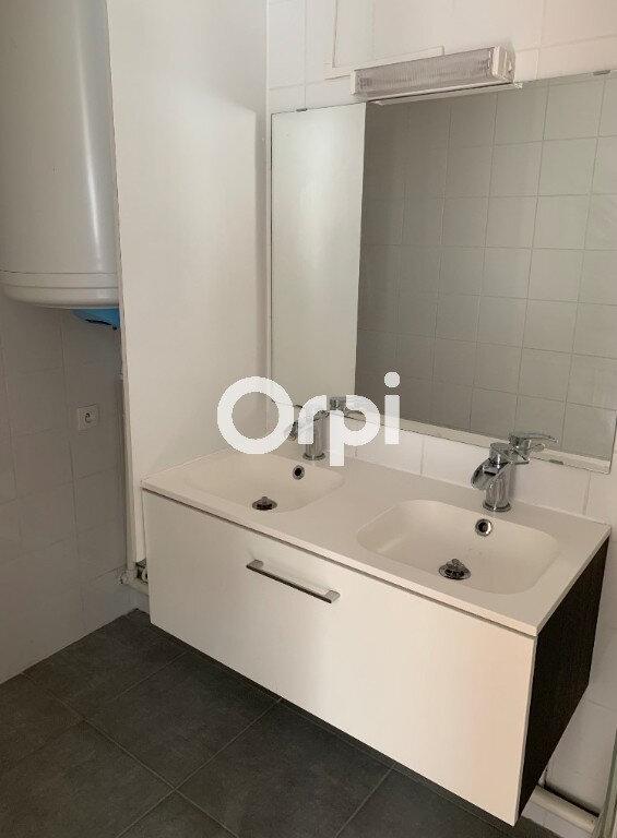 Appartement à louer 2 37.7m2 à Saint-Amand-les-Eaux vignette-4