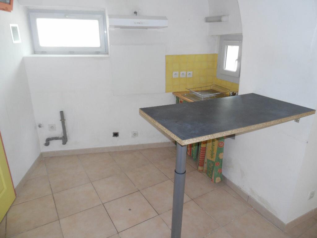 Appartement à louer 2 35.58m2 à Saint-Martin-de-Londres vignette-3