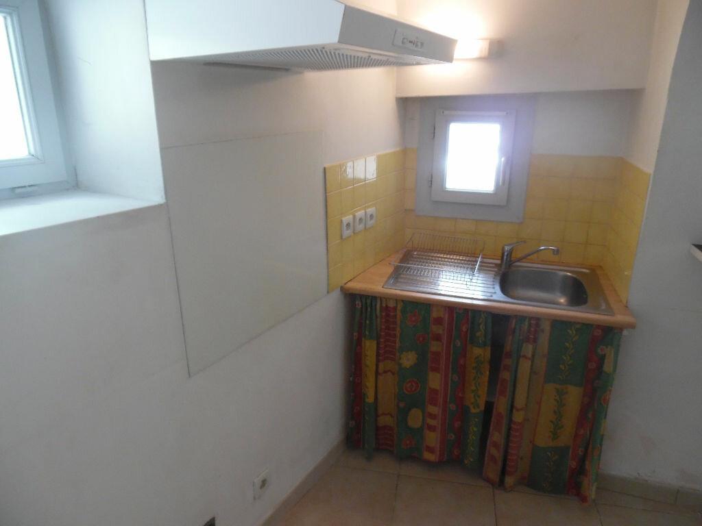 Appartement à louer 2 35.58m2 à Saint-Martin-de-Londres vignette-4