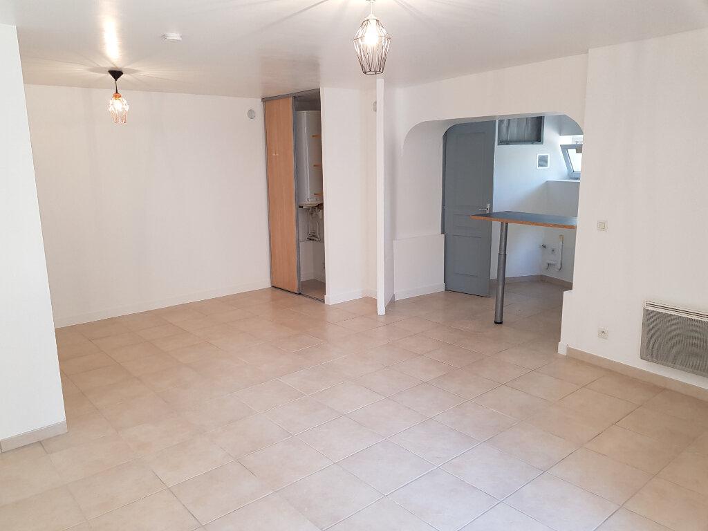 Appartement à louer 2 35.58m2 à Saint-Martin-de-Londres vignette-6