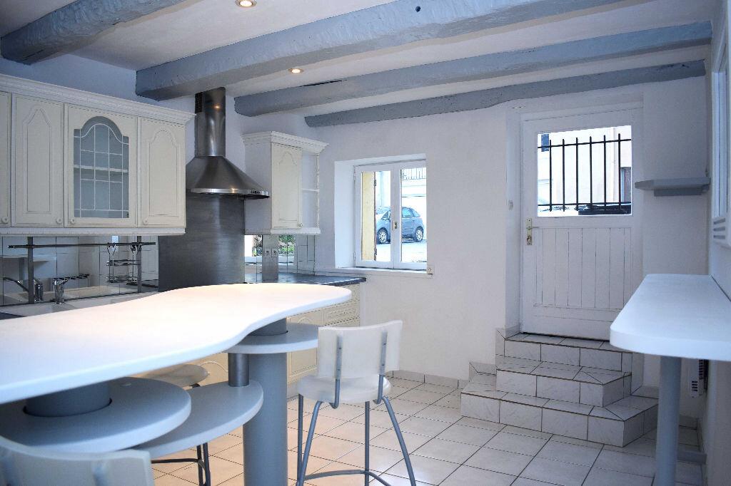 Maison à louer 5 115m2 à Chavigny vignette-1